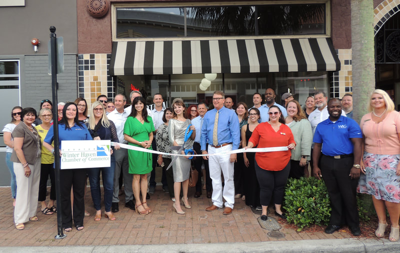 Confection ribbon cutting